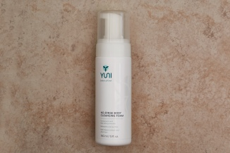 YUNI No Rinse Body Cleansing Foam