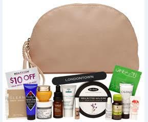 Beauty.com Debuts the Ryan Roche Nudie Beauty Bag