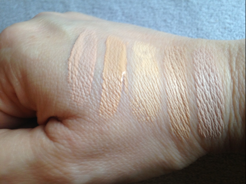 9ecf8dc21cbe The swatches on the left are the Fit Me! in Fair and Sand and then the Instant  Age Rewind in Neutralizer
